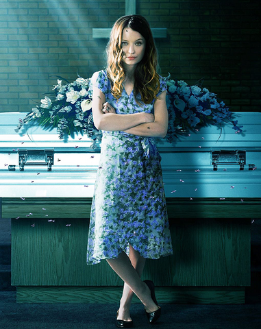 File:Laura moon omg promo pic.png