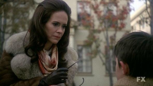File:213 Lana meets her son.jpg