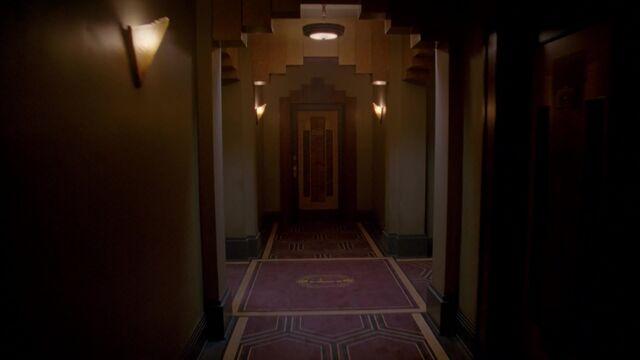 File:Hotel Cortez Hallway 002.jpeg