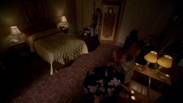 File:Hotel Cortez Room 001.jpeg