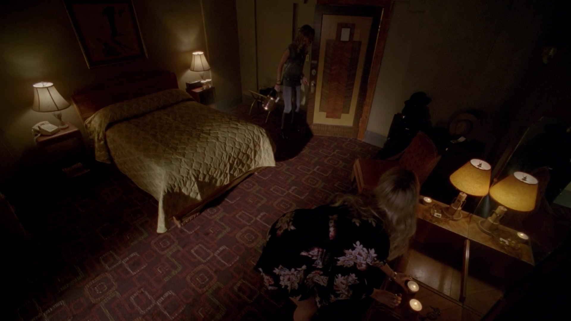 image hotel cortez room 001jpeg american horror story wiki fandom powered by wikia - Dark Hardwood Hotel 2015