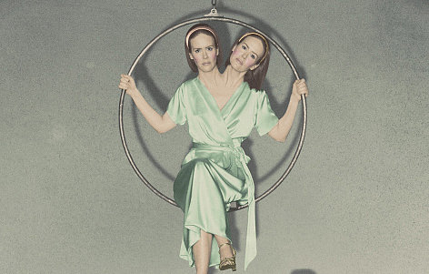File:Bette-Dot-Tattler-Conjoined-Twins-Sarah-Paulson.jpg