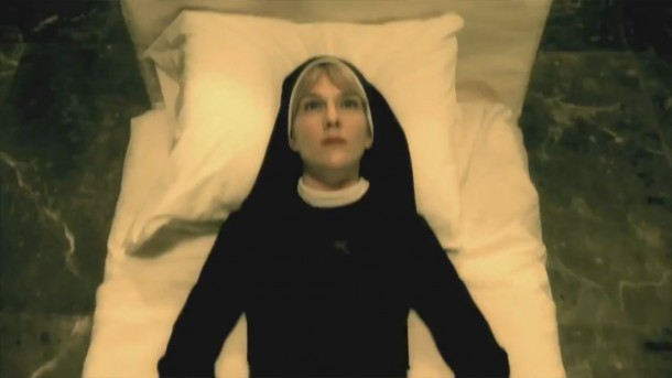 File:American-horror-story-asylum-lily-rabe-in-bed-e1346367345768.jpg