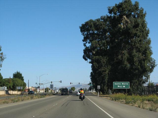 File:Ca-135 nb broadway 03.jpg