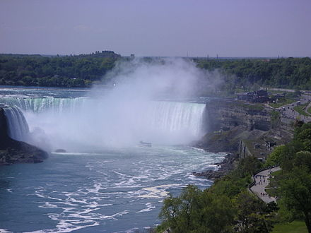 File:440px-Niagara Falls and Maid of the Mist 2005.jpg