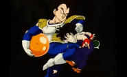 Vegeta kneed kid gohan in the stomach2