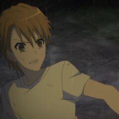 Naoya, having escaped the inn, goes back to help Yuuya.