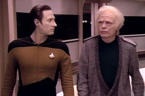 File:Data and Leonard McCoy.jpg