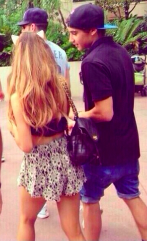 File:Jai & Ariana at Disneyworld June 24.png