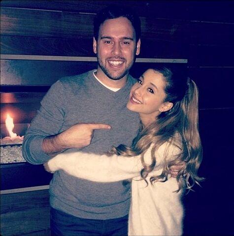 File:Ariana Grande & Scooter Braun.jpg