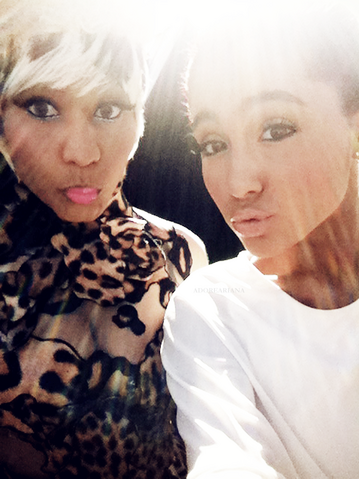 File:Nicki & ariana.png