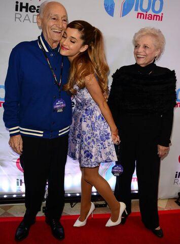 File:Ariana grande jingle ball with grandpa & nonna.jpg