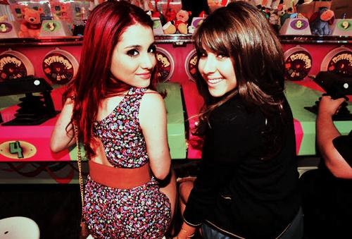 File:Daniella Monet & Ariana.jpg