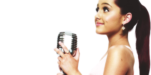 File:Ariana wearing gold earrings.png