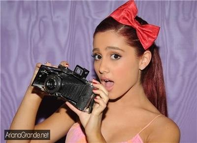 File:ArianaCamera.jpg