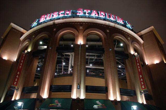 File:Busch Stadium-1195659606-689.jpg