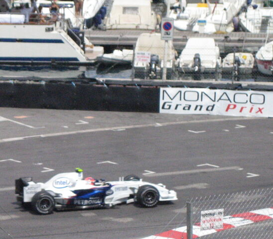 File:Robert Kubica-1209695117-516.jpg