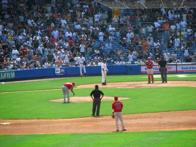 File:Yankee Stadium-1195689590-913.jpg