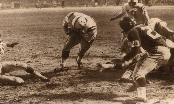 File:Ameche TD Colts.jpg