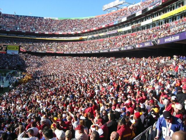 File:FedEx Field-1195774756-274.jpg