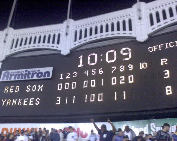 File:Yankee Stadium-1195689613-374.jpg