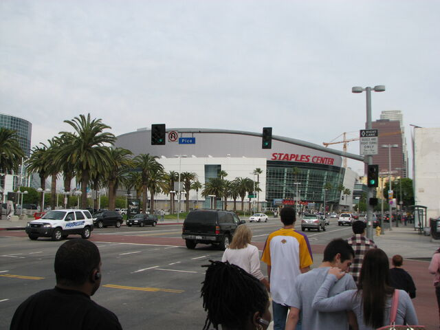 File:Staples Center-1196098378-954.jpg
