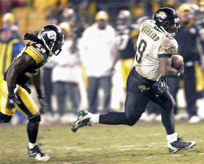 File:Capt.659891e0cbd4447388a22760949d3c79.jaguars steelers football paks114.jpg