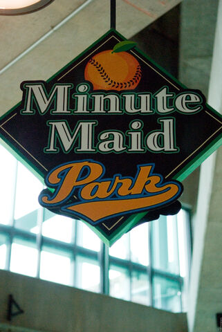 File:Minute Maid Park-1195671453-641.jpg