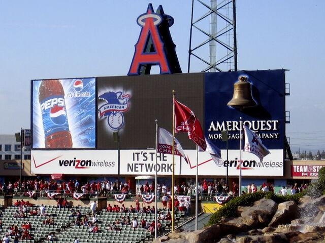 File:Angel Stadium-1195658132-236.jpg