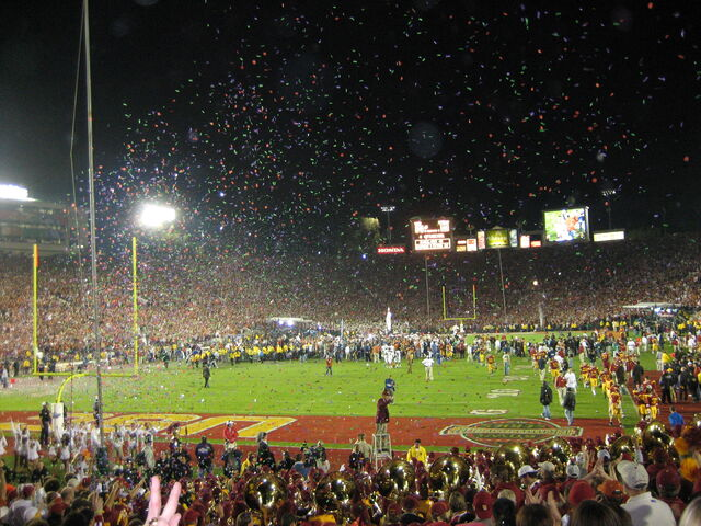 File:Rose Bowl-1199088328-154.jpg