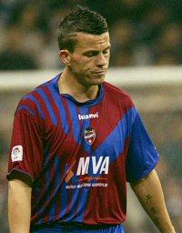 File:Player profile Ian Harte.jpg