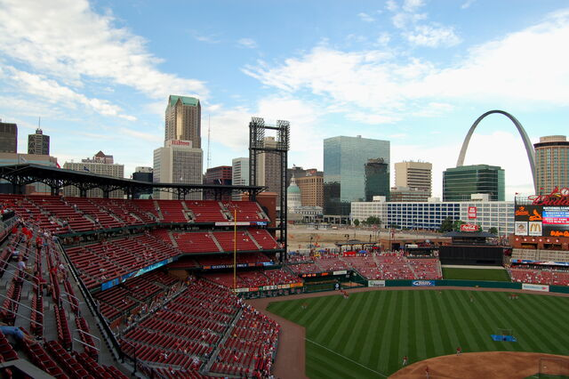 File:Busch Stadium-1195659592-930.jpg