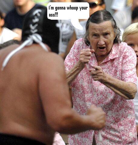 File:1187986958 Old lady2.JPG