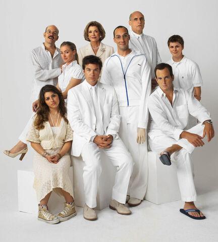 File:Bluth Family white.jpg