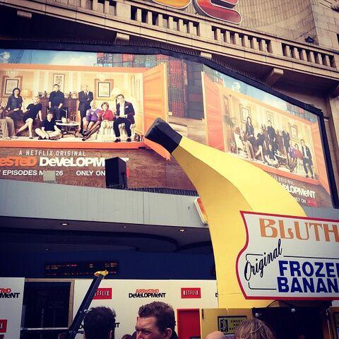 File:London S4 Premiere (07).jpg