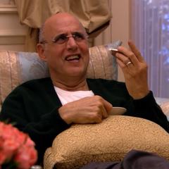 George eats an ice cream sandwich. <span style=
