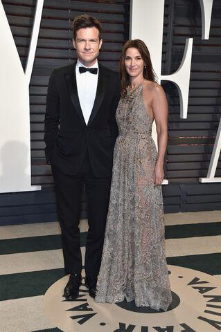 File:2017 Academy Awards Vanity Fair - Jason and Amanda 02.jpg