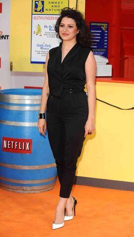 File:2013 Netflix Premiere London - Alia Shawkat 02.jpg
