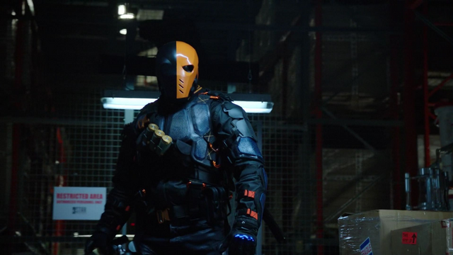 File:Deathstroke attacks Caitlin and Cisco.png