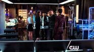 Arrow - Episode 3x08 The Brave and the Bold (The Flash Crossover) Sneak Peek 2 (HD)