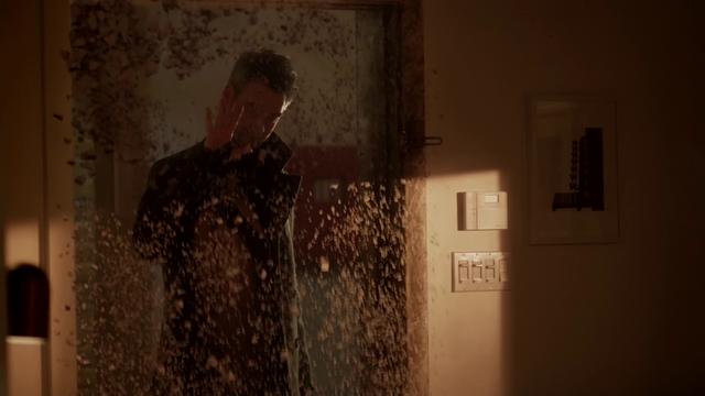 File:Clive Yorkin makes Iris' door disintegrate.png