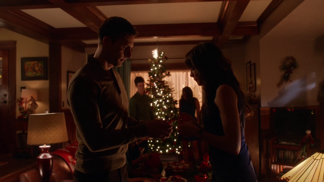 File:Hunter and Caitlin at Christmastime.png