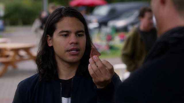 File:Cisco holds up a helbing.png