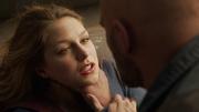 Vartox choking Supergirl