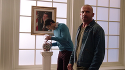 Ray Palmer and Mick Rory stealing Ronald Reagan's jelly beans