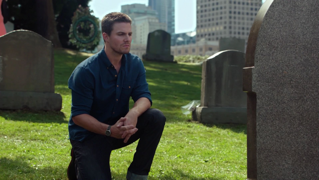 File:Oliver vows on Tommy's grave never to kill again.png