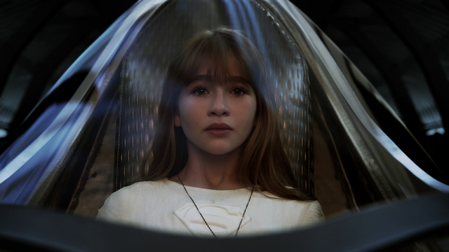 File:Kara in her pod preparing to be rocketed away from Krypton.png