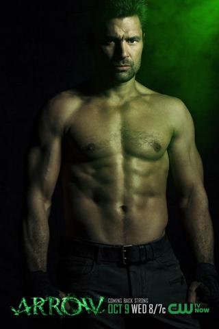 File:Slade Wilson season 2 shirtless promo.png