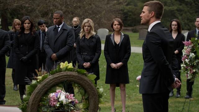 File:Oliver tells a eulogy in Laurel's honor.png