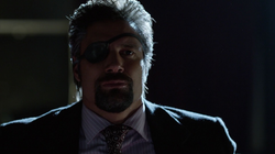 Slade confronted by Team Arrow